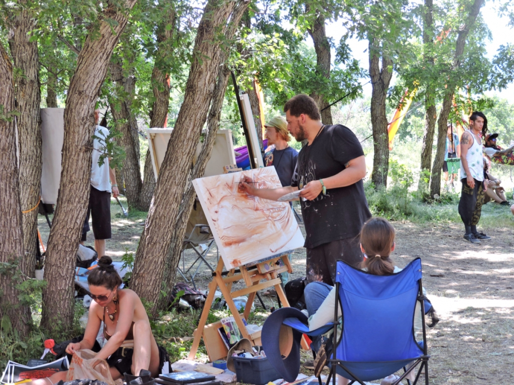 The festival attracted many artists who were inspired by their surroundings.